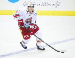 Modos Kyle Cumiskey under ishockeymatchen i SHL mellan Frölunda och Modo