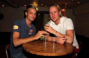 Blue Moon Bar. Daniel och Mattias