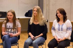 Josefin Karlsson, Sofia Sjöberg och Junia Ohde sjunger den höga stämman i