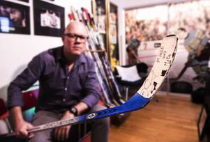 Håkan Nordström älskar inte bara fotografering, han är också ett stort hockeyfan. Modo är det som gäller.