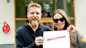 Erik Karlberg och Johanna Persdotter från Tillsammans för Södertälje. Bilden är tagen i samband med en tidigare kampanj.