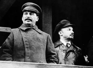 Josef Stalin och Nikolaj Bucharin. Den senare stämplades som förrädare och avrättades under den stora terrorn.