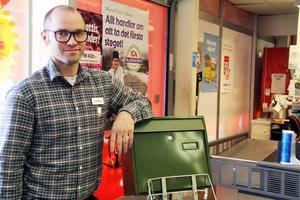 Jonathan Barnes säljer Ica Supermarket Alftahallen.