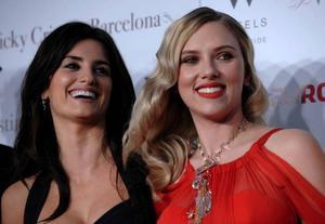 Penélope Cruz och Scarlett Johansson på premiären av Vicky Christina Barcelona i Los-Angeles tidigare i år. Scarlett räknades till de 20 bäst betalda unga superstjärnorna förra året.