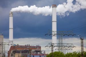 Klimathot. FN:s klimat-panel menar att kol- och olje-användningen måste minska snabbt. Bilden visar ett av Vattenfalls kolkraftverk. Foto: Jan-Morten Bjørnbakk/ NTB/Scanpix