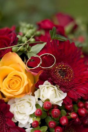 Allt ifrån blommor till ringar... ja det mesta som hör till ett bröllop går att ordna till bra pris!