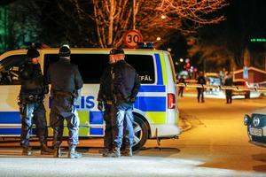 Flera polispatruller utreder skottdramat som utspelade sig sent på torsdagskvällen på Gideonsberg.
