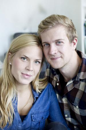 Anna och Erikhar roligt ihop.