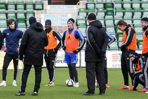 Härnösandskillen Joakim Nilsson, med moderklubb IF Älgarna, gör med största sannolikhet allsvensk debut på måndag då hans GIF Sundsvall tar emot Malmö FF.