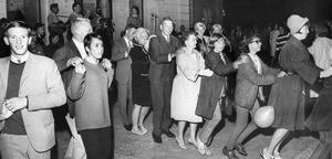 Fest på gator och torg. En rad festligheter avlöste varandra när Örebro firade 700-års jubileum, 1965.