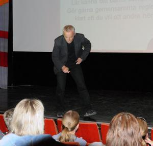 Håkan Fransson, från Öckerö kommun, kunde visa på positiva signaler när det gäller ungdomarna i Vansbros alkoholvanor.