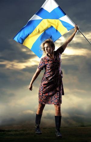 """Tanja Lorentzon.  I Gävleaktuell Dramaten-monolog, """"Mormors svarta ögon""""."""