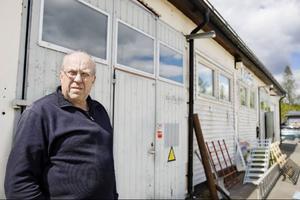 Den lokala företagaren och en av de drivande krafterna i Forum Frostviken, Lars-Gunnar Holgersson, har efter 30 år i bygden fått en ganska luttrad inställning till de storslagna turistsatsningarna för området.