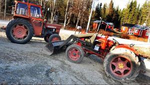 BM 430-traktorn på bilden är inlämnad på reparation hos Dieter. Däremot är David Brown-traktorn, närmast kameran en gårdstillhörighet.