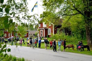Historisk bild. Starten har gått i tidernas första arrangemang av Kvartersloppet i Kårberg.