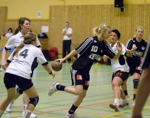 Tilda Holberg gjorde fyra av Strands mål och tillhörde de bättre spelarna.