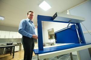Går att kombinera med en dörröppnare så att även rullstolsburna kan använda det nya låset Foto:Kjell Jansson