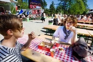 Adam Andersson och Christer Jonasson bänkade sig vid borden i Badhusparken och bidrog till att slå Sundsvall.Foto: Ulrika Andersson