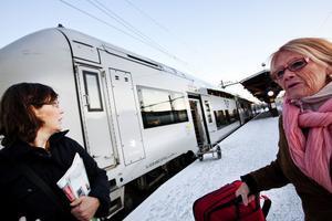 Efter att ha åkt en tur med dubbeldäckaren från Stockholm respektive Arlanda väljer Ann-Katrin Nordström och Irene Strandberg en avgång som trafikeras av X2000 nästa gång.
