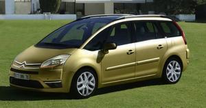 Konkurrent: Citroën C4 Grand Picasso VTi214 900 kronor. 122 hk.Systerbil till samma pris. 34 färre hästar och ingen turbo.