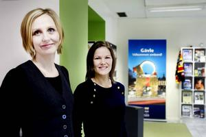Glada. Kommunikationschef Jenny Glumoff och turistchef Tove Elvelid är glada över att turistbyrån och medborgarkontoret har gemensamma lokaler.