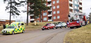 RÖKLUKT. Räddningstjänsten kallades till Ringvägen i Fagersta efter att det luktade rök och bränd mat från en lägenhet.
