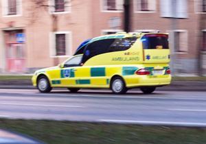 Ambulans på utryckning – då är det blåljus och sirener som gäller.
