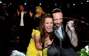 Schlagerveteranen Linda Bengtzing och debutanten Nicke Borg gick direkt till Melodifestivalsfinalen i Globen.