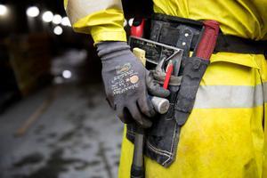 Snickare kommer att vara eftertraktade även i framtiden - enligt Arbetsförmedlingens nya jobbrapport.Foto: Jessica Gow / TT