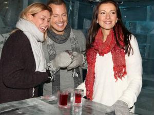 Jessica Andersson, Magnus Carlsson och Sonja Aldén hade premiär för julshowen