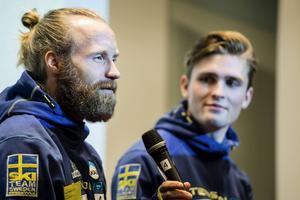 Veteranen och ynglingen. Per Spett och Ludvig Fjällström är två av profilerna i det nya Team Scandinavia som på lördag ska köra VC-premiären i Finland.   Arkivbild: Scanpix
