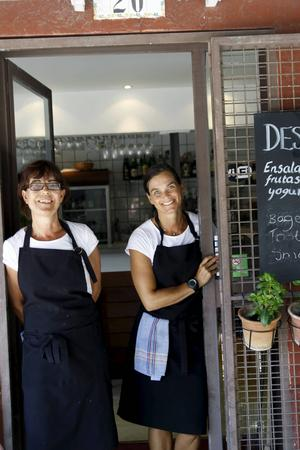 Gunilla Jörgensen och Lisa Alkut på svenskägda kaféet El Perrito.