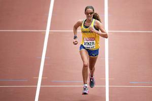 Louise Wiker fick stora problem med magen under friidrotts-VM-debuten i Peking för två år sedan, och gjorde karriärens hittills sämsta maratontid där (arkivfoto).
