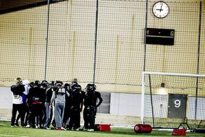 Örebro Black Knights har sedan februari i år kämpat med att rätta till de stora ekonomiska misstag som gjorde i bokföringen av den förra styrelsen i klubben.