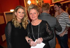 Mikaela Morén och Kristina Ottosson bytte Handelsbankens kontor i Ånge mot galamingel.