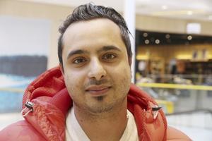 Hadi Razavi, 28, student, Fredriksberg: – Ganska mycket. Så mycket nyttigare utan kemikalier. Visst, det är dyrare men det är det värt.