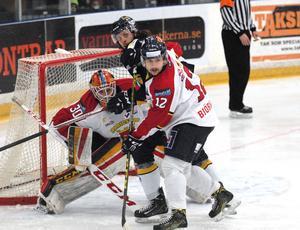 Marcus Andersson assisterade till Borlänges enda mål på duktige Mariestadsmålvakten Arvid Ljung.