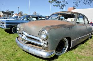 Charmig. Alla bilar var inte lika blanka och färgglada, men de har sin charm ändå.
