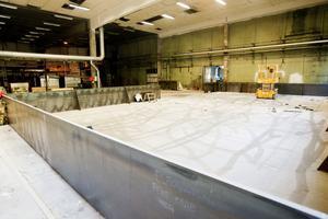 De sju blandnings- och lagringstankarna kommer att placeras i en bassäng, en säkerhetsåtgärd för att förhindra att kemikalier ska kunna spridas vid ett läckage.