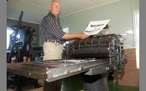 Nils Franzén har i många år kämpat för att få iordning ett museum av de många maskiner han haft själv, och har fått. Men nu säger kommunen nej.FOTO: KERSTIN ERIKSSON