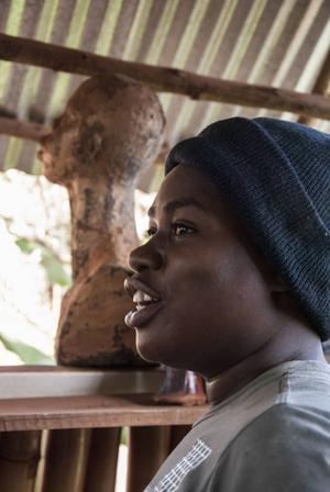 Leilah Babirye är Ugandas mest framträdande hbtq-konstnär. Hon väljer att bo kvar i hemlandet trots dödshot.