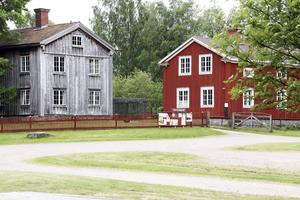 Träslottet ligger nu ute till försäljning till ett pris av 4 miljoner kronor.