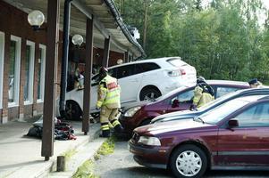 Bilen kraschade vid den eritreansk-ortodoxa församlingens lokaler i Stockvik.