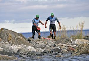 Team Triscore med Per Sundström och Fredrik Jakobsson ledde länge loppet.