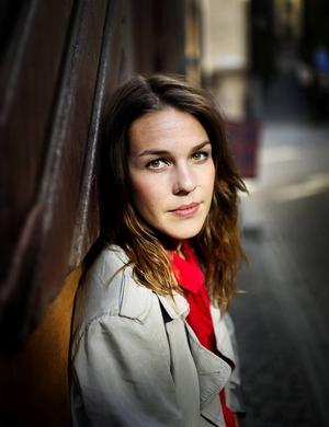 Isabella Lundgren gör dubbla spelningar i Dalarna.
