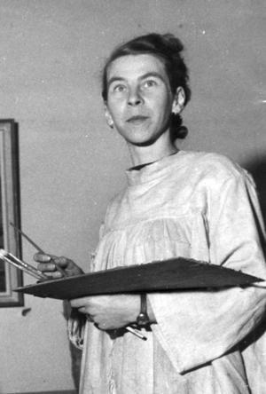 Målare. Tove Janssons konstnärsskap innehöll så mycket mer än bara berättelserna om Muminfamiljen. Själv såg hon måleriet som centralt. Den här bilden togs 1950.