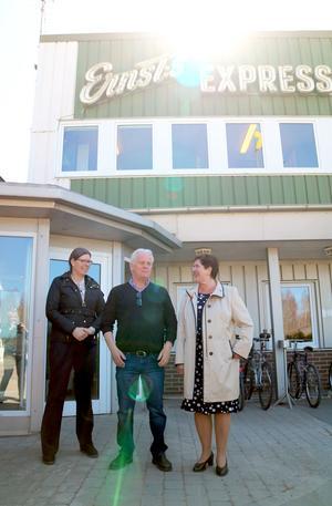 Landshövding Ylva Thörn tycker att Ernsts Express är ett gott exempel på hur företag kan genomföra en klimatomställning.