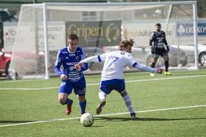 Iggesund var precis som Fagersta Södra obesegrat inför matchen. Nykomlingen bad inte om ursäkt utan gjorde fyra mål på konstgräsplanen i Hudiksvall.
