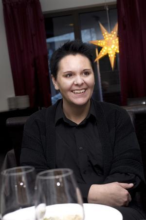 Restaurangchef Lotta Wolff har tappat i vikt, men tror att hon kommer gå tillbaka till att äta kolhydrater så småningom.