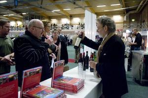 Ett argentinskt vin med mycket shiraz i rekommenderas Hans Modigs, Hudiksvall av vinkännaren Bengt Frithiofsson.